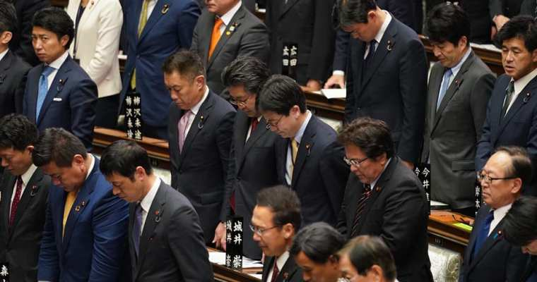 新型コロナウイルス対策本部、日本退職者連合の政策制度要求実現院内集会、党LGBT・SOGIプロジェクトチーム会議、代議士会、本会議、文部科学部会