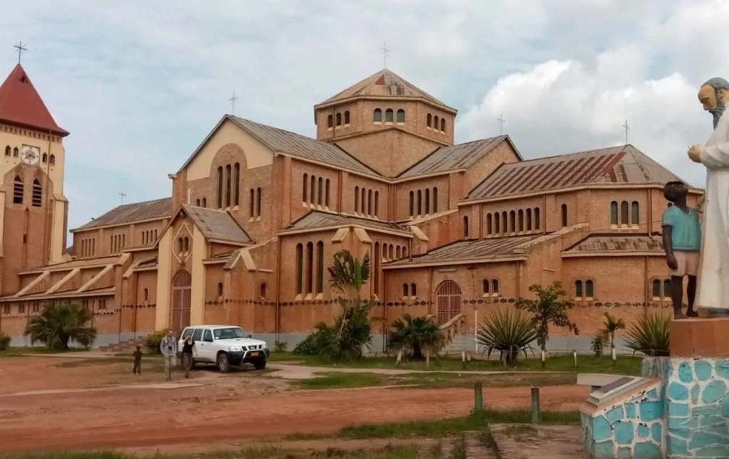 kisantu_cathedrale