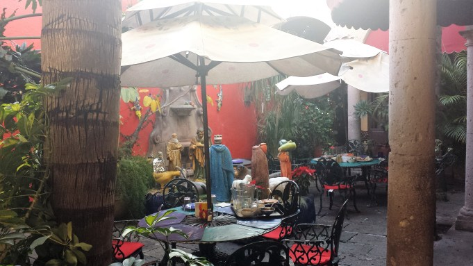 Hidden courtyard - restaurant in Morelia