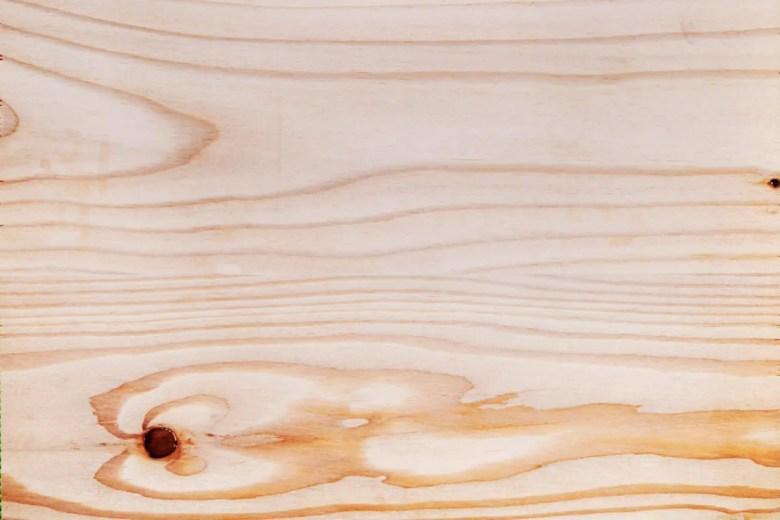 木材選びシリーズがきっかけ。「カラマツ」の特徴とデメリット