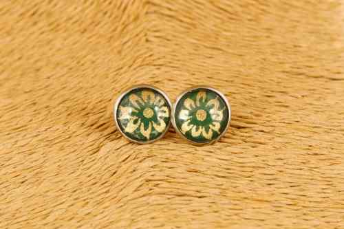 green-flower-earrings