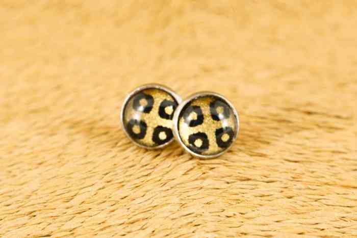 small-black-diamond-earrings