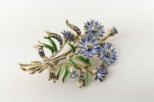exquisite-brooch