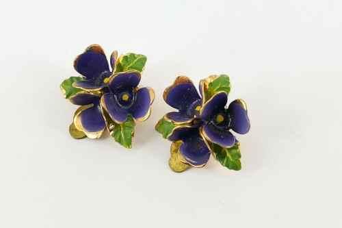 violet-earrings