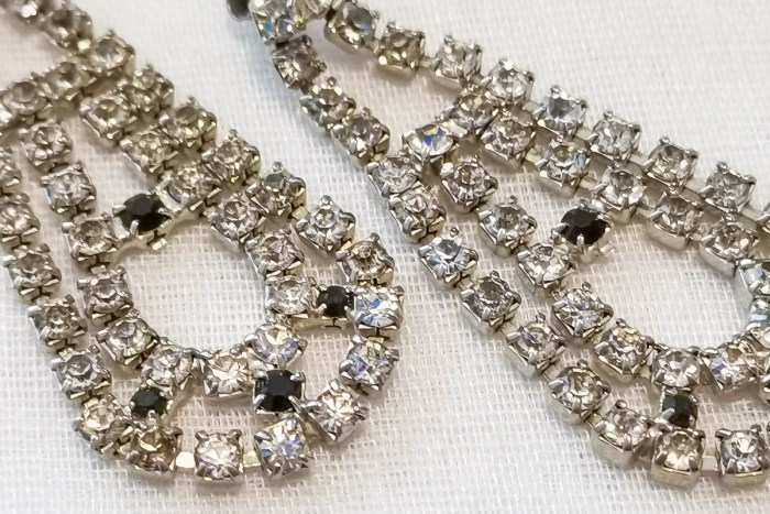 deco-drop-earrings