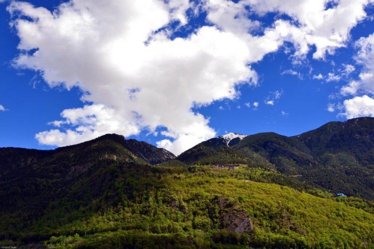 scorcio verso i pirenei intorno ad Andorra la Vella