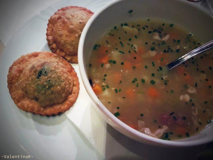ABC dell'Alta Badia: zuppa d'orzo ladina con turtres