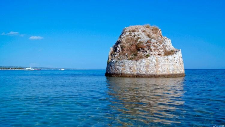 la torre diroccata in mezzo al mare, a torre pali