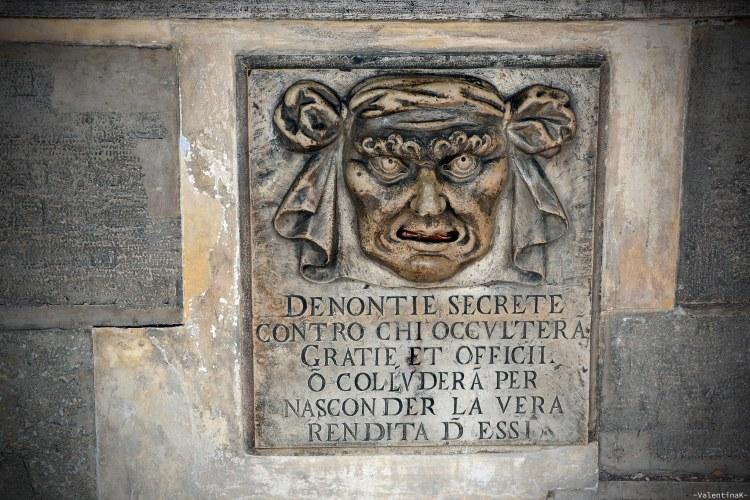 le bocche di leone per le denunce segrete al palazzo ducale di venezia