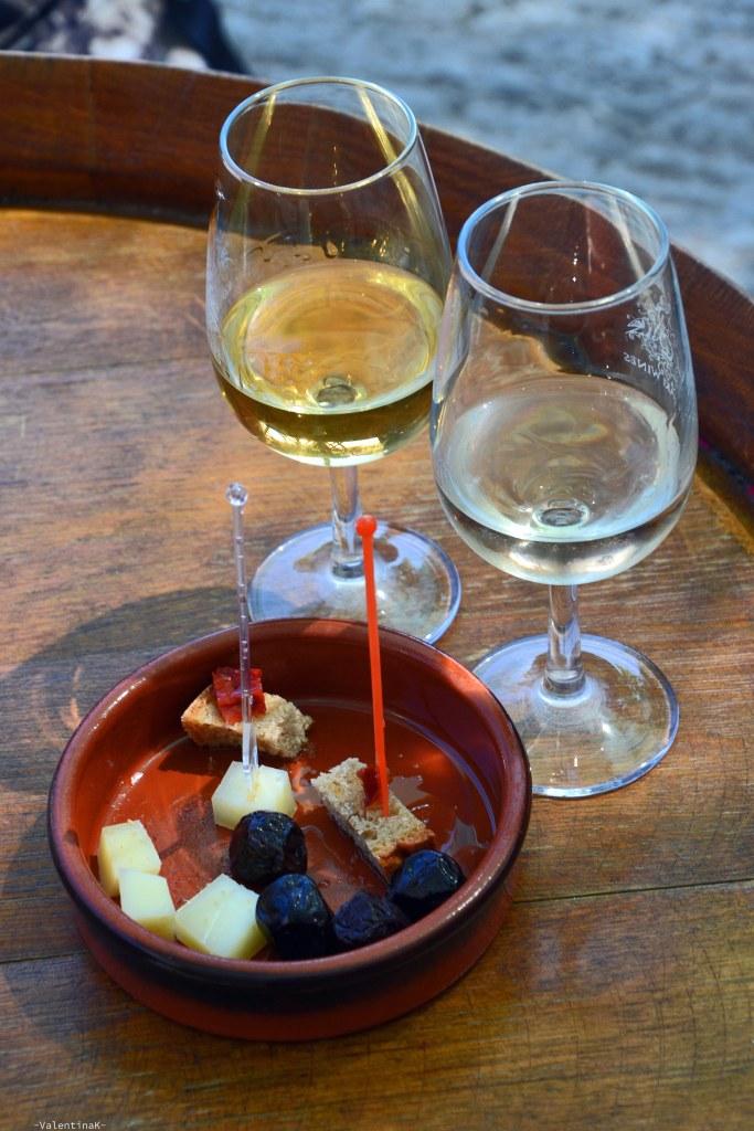 cosa fare a rodi sette esperienze imperdibili: degustazione di vini locali