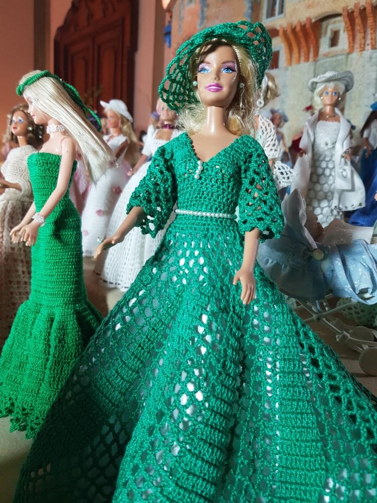 la mostra delle barbie di nonna lucia: un bellissimo abito verde smeraldo
