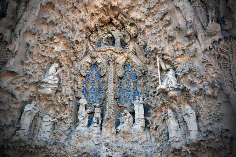 la facciata della natività della Sagrada Familia