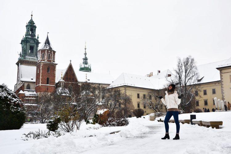 valentina nella piazza del castello del wovel a cracovia