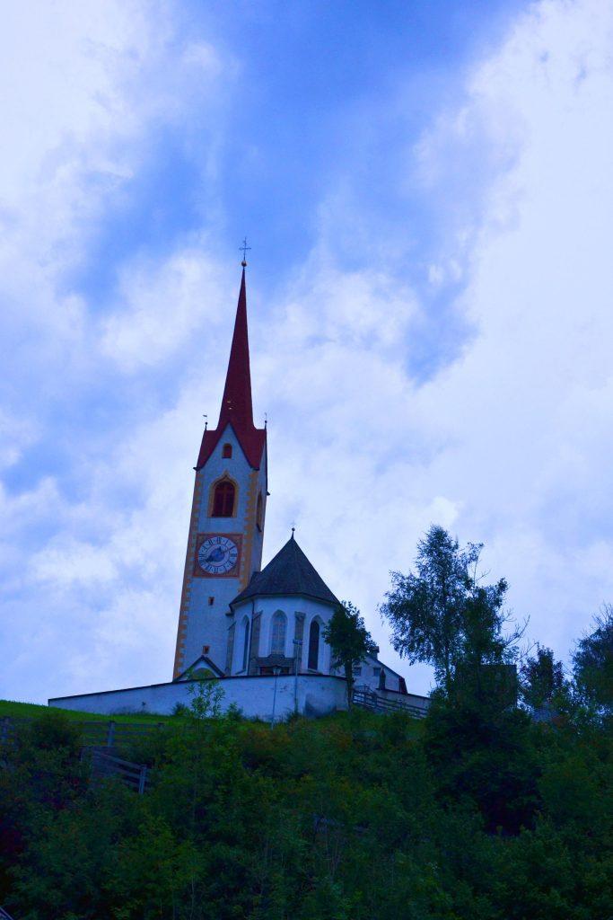 cose da fare in val pusteria quando piove: la chiesa di san nicolò di prato alla drava