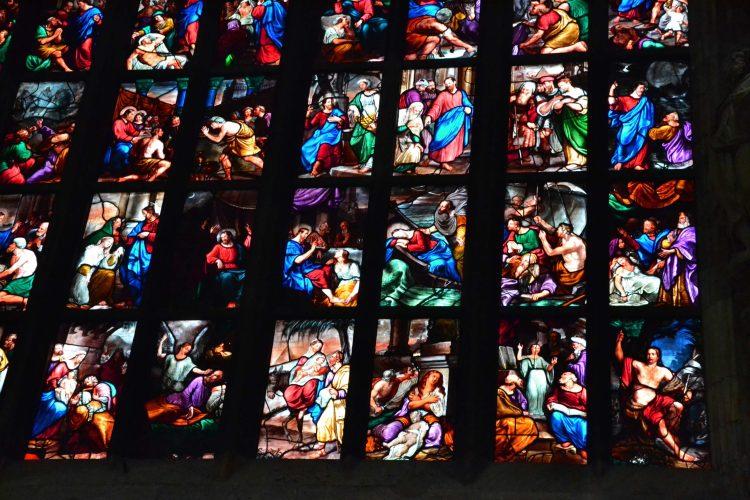 curiosità sul Duomo di Milano: scorscio delle splendide vetrate