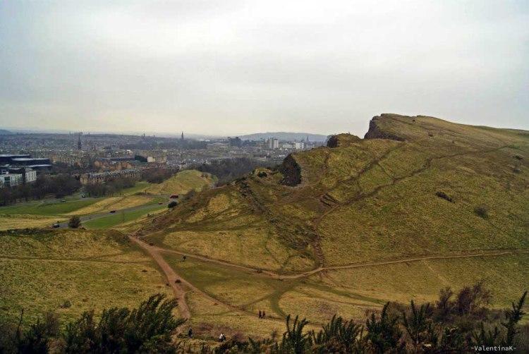 edimburgo città: dolce profilo della collina di arthur's seat
