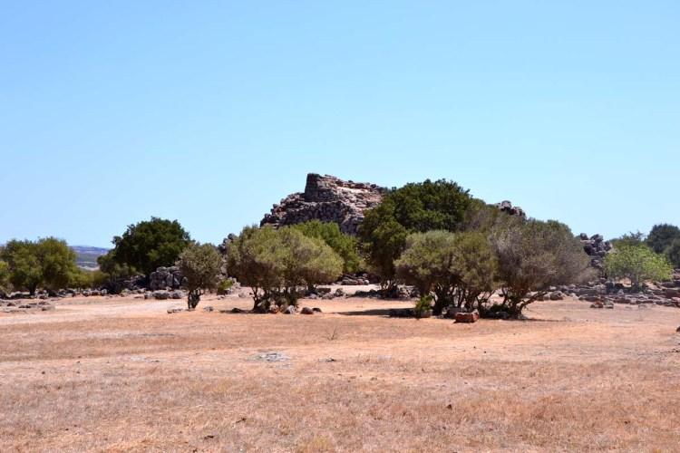 luoghi imperdibili in sardegna: il nuraghe arrubiu