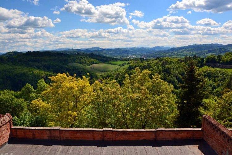 il panorama verso i colli bolognesi, dal santuario di san luca