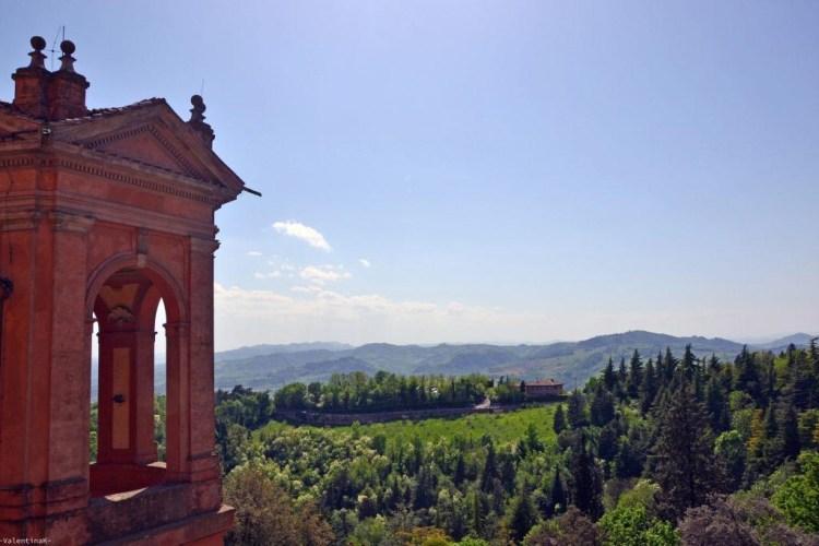 panorama dall'alto del santuario di san luca, sui colli bolognesi