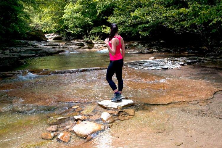 valentina nel mezzo del fiume acquacheta