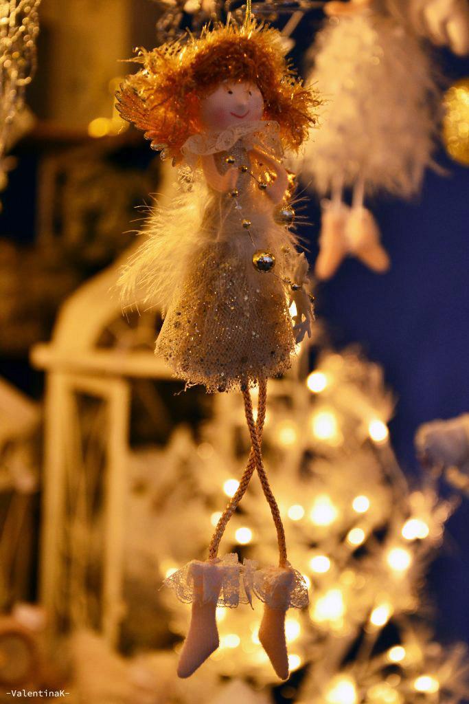 natale a bolzano: bambolina artigianale natalizia ai mercatini