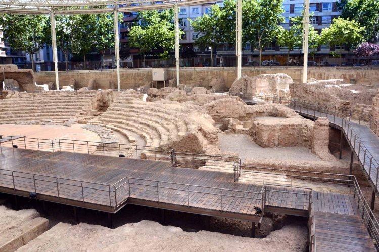 le rovine dell'antico teatro romano di saragozza