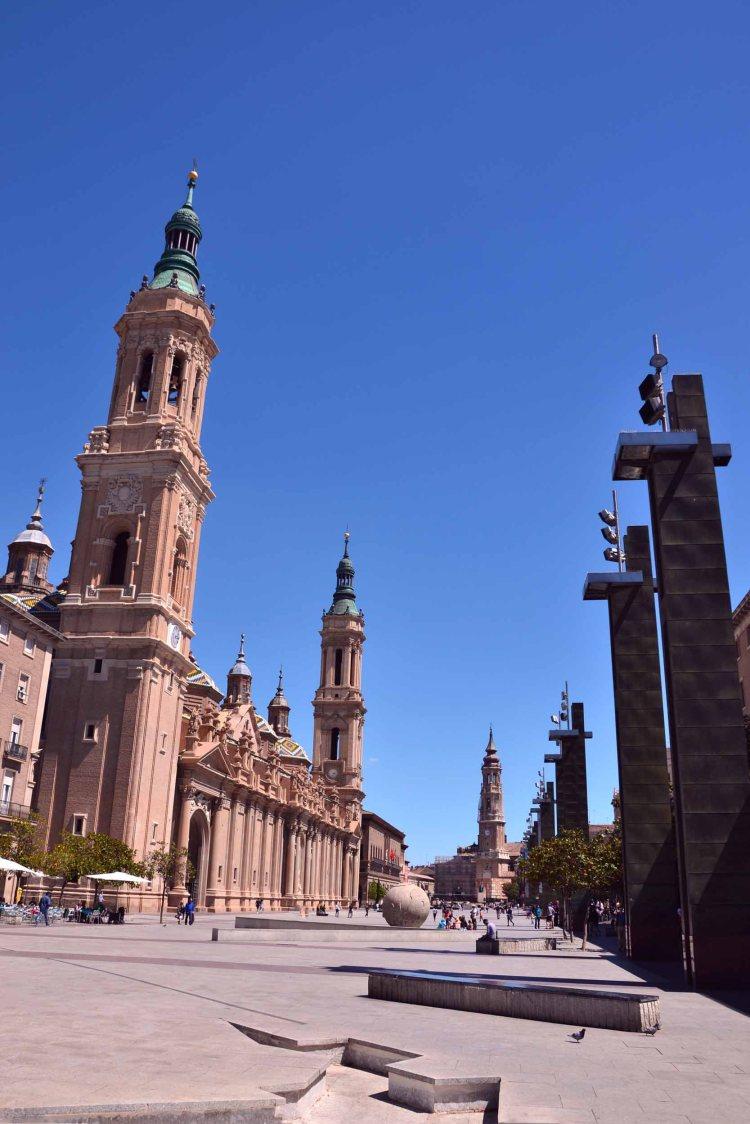 cosa vedere a saragozza in un giorno: plaza del pilar