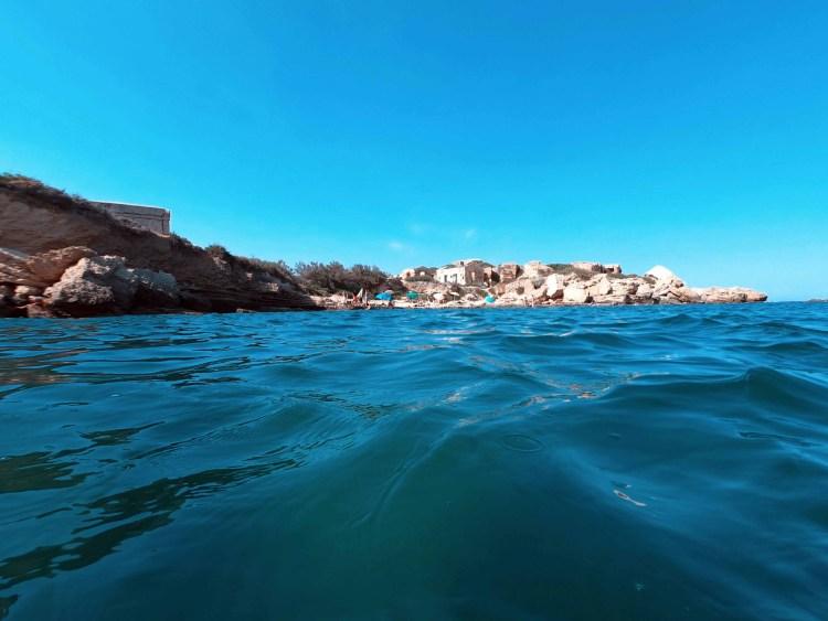 spiagge imperdibili nella sicilia sudorientale: spiaggia di massolivieri dal mare