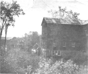 This story and linked photos is about the Mill in Old Killaloe. Betty Mullin Collection.