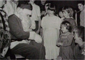 santa claus with kids killaloe. wcmd