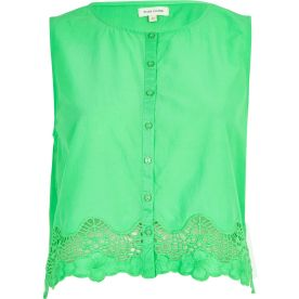 River Island €20 - Green Lace-trimmed Crop Top http://tinyurl.com/nnbnerj