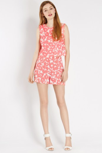 Palm Beach Top €40 http://www.oasis-stores.com/palm-beach-top/loved-by-mollie/oasis/fcp-product/3960027100 Palm Beach Shorts €40 http://www.oasis-stores.com///fcp-product/3460016000