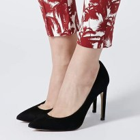 Topshop €70 - Glory High Court Shoes http://www.topshop.com/en/tsuk/product/shoes-430/heels-458/high-heels-697/glory-high-court-shoes-2815390