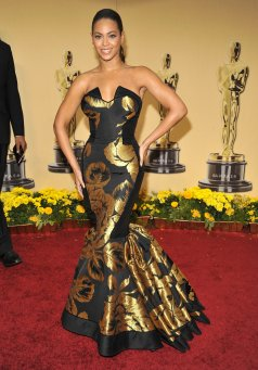 2009 Oscars - wearing House of Dereon