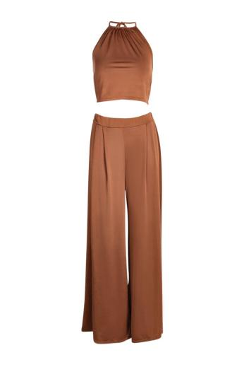 Boohoo €20 - Aziza Wide Leg Trouser and Crop Top Co-ord Set http://www.boohoo.com/co-ords/aziza-wide-leg-trouser-and-crop-top-co-ord-set/invt/dzz86304