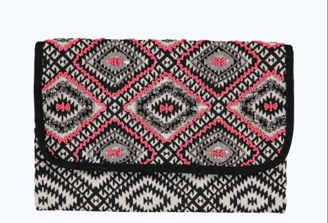 Boohoo €19 - Boutique Aztec Beaded Clutch Bag http://www.boohoo.com/bags/boutique-aztec-beaded-clutch-bag/invt/dzz99736