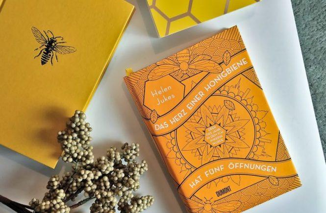 Helen Jukes, Das Herz einer Honigbiene hat fünf Öffnungen