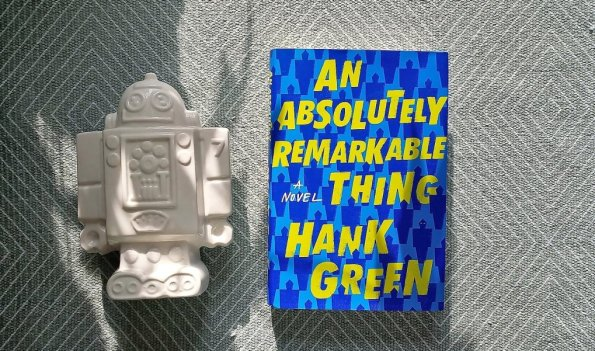 Hank Green, An absolutely remarkable thing