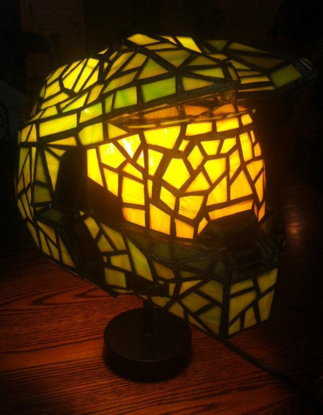 master_chief_lamp