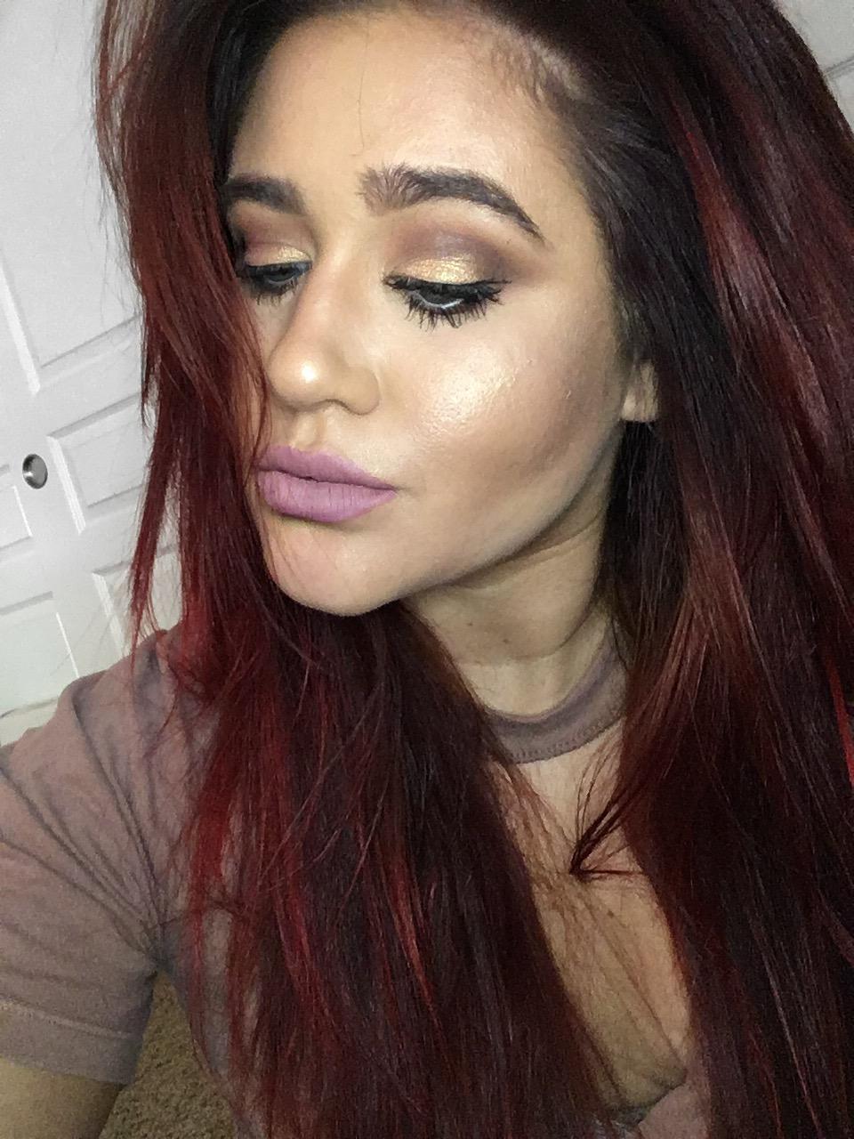 Simple Mauve Makeup Look