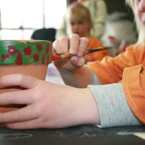 tots-paint-pots-for-mom