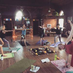 Yoga For Creatives_Maria Borghoff