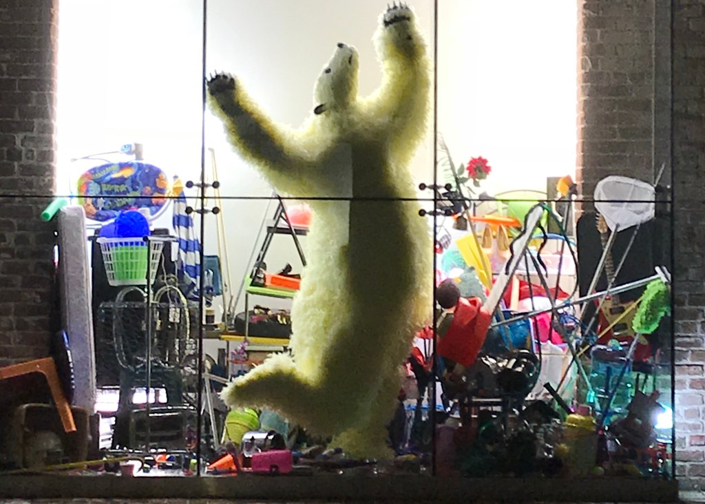 Art display of polar bear shows that we need to reduce plastic pollution