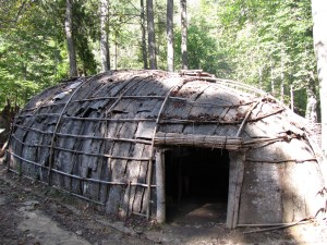 Monacan longhouse made of sticks and bark