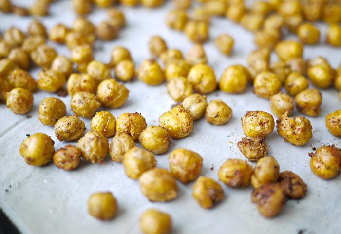 kim-deon-Crunchy-Spicy-Chickpeas-2
