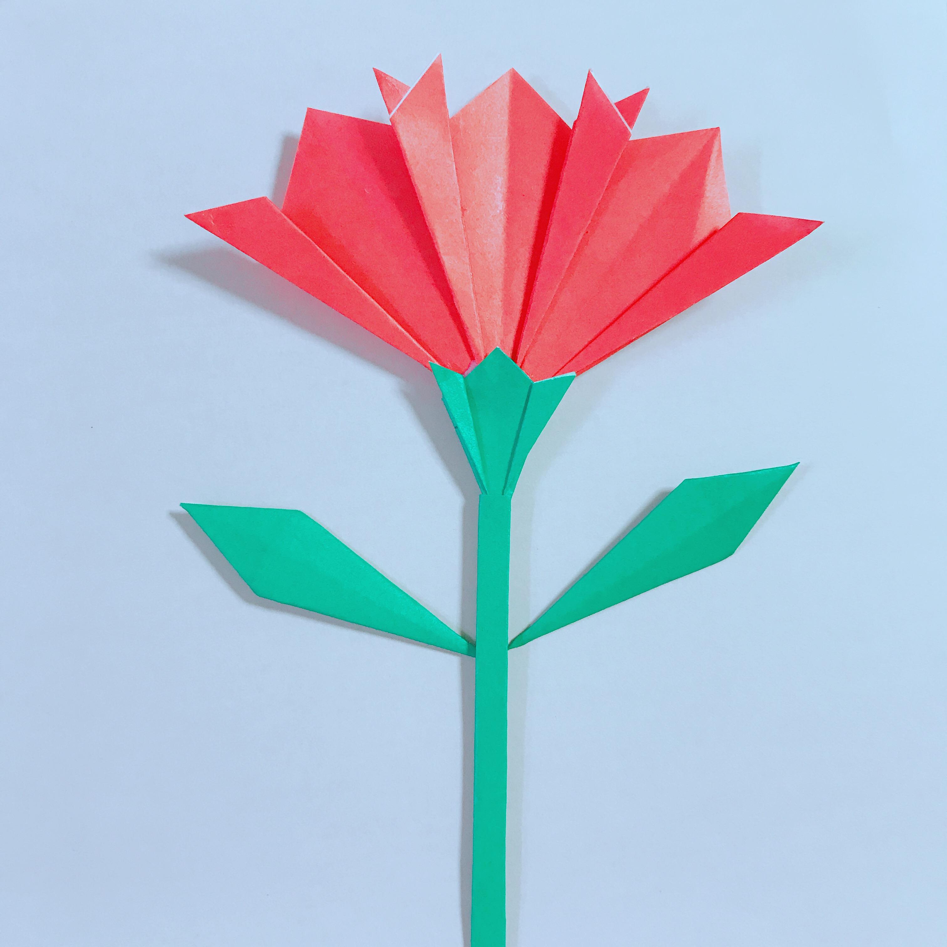 折り紙のカーネーションは簡単!茎と葉っぱも作ってみよう!