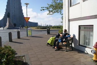 In de zon in Reykjavik