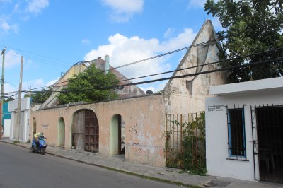 Roofless house in Cozumel, Mexico