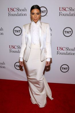 kim-kardashian-white-balmain-blazer-lanvin-skirt-h724