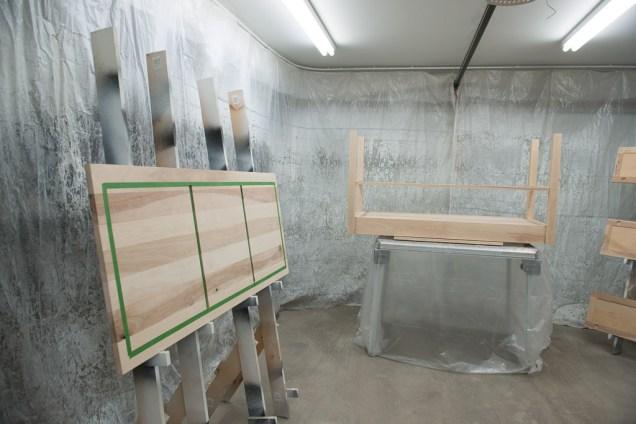 Desk varnishing